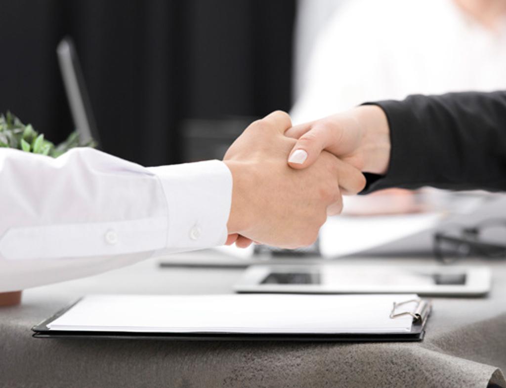بسته به اینکه برای چه کاری و چه شرکتی به جلسه مصاحبه شغلی پا میگذارید