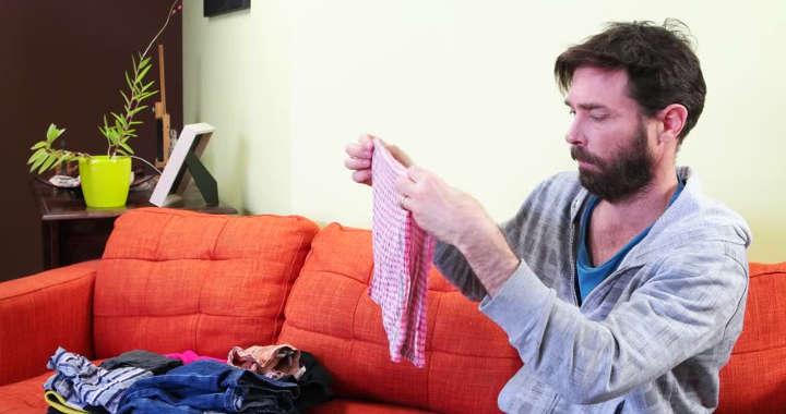 تا کردن لباسها-تعارفاتی که مردها از شنیدن آنها بیزارند